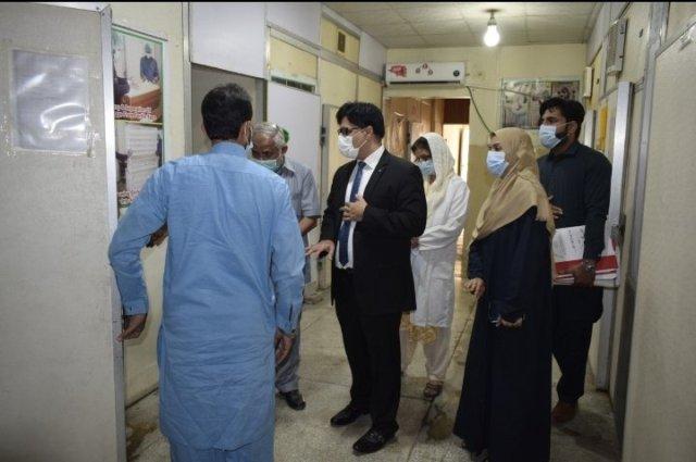 ایڈیشنل سیکرٹری (ایڈمن) لائیوسٹاک پنجاب کا پولٹری ریسرچ انسٹی ٹیوٹ کا دورہ
